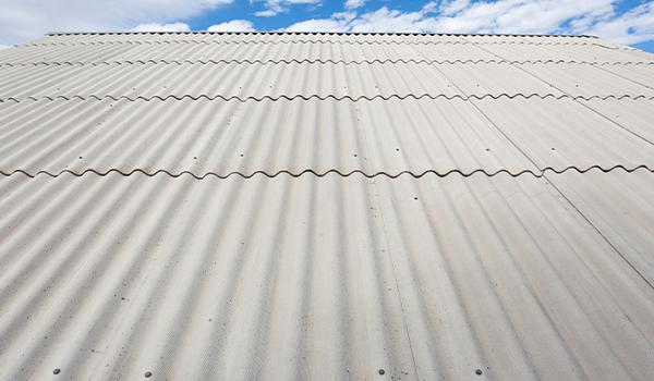Como limpar o seu telhado
